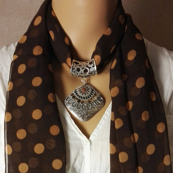 Bijou pour foulard Calia